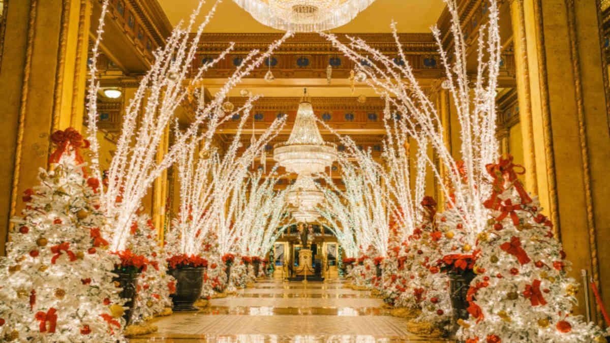 Roosevelt's Lobby Lighting Ceremony