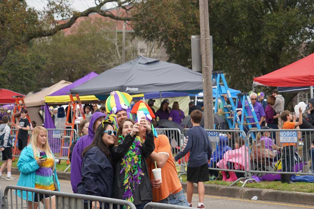 Selfie Group - Samadi Gras - New Orleans Local