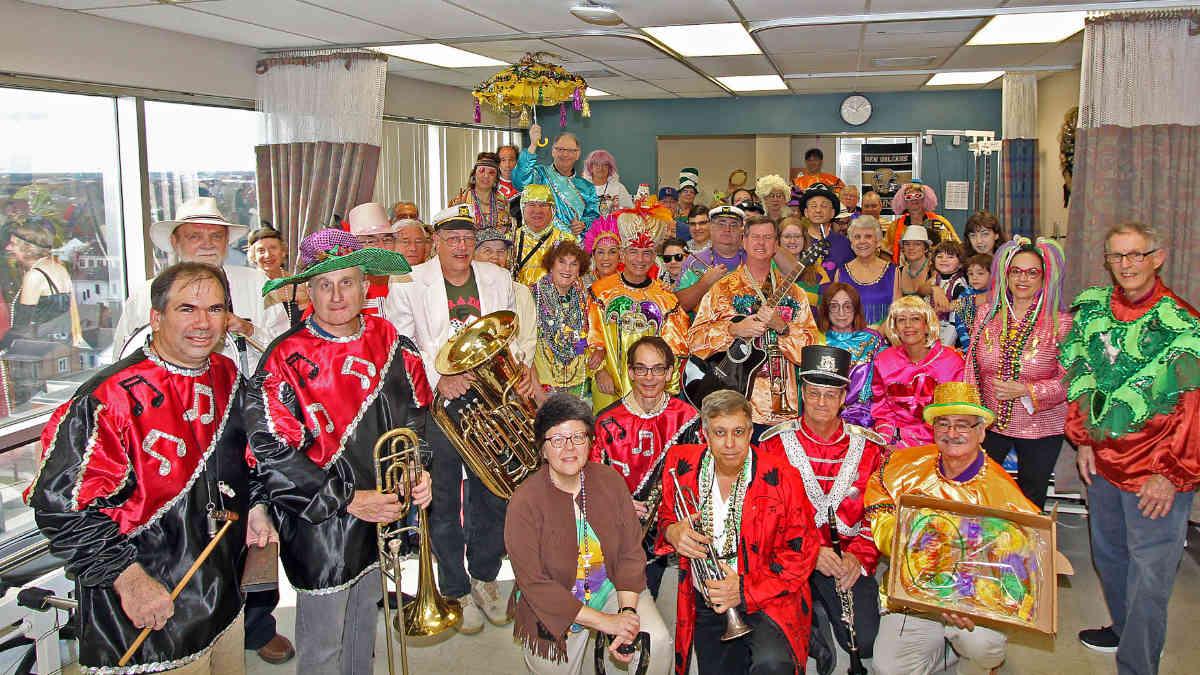 B'nai B'rith Mardi Gras Mitzvah Makers 40th Annual Hospital Parade Group Photo | New Orleans Local