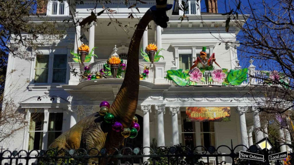 Mardi Gras House Floats - Dino Gras